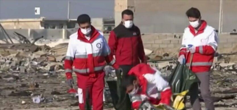 """Сбитый Боинг 737 """"МАУ"""" в Иране, расследование крушения боинга в иране, черные ящики мау"""