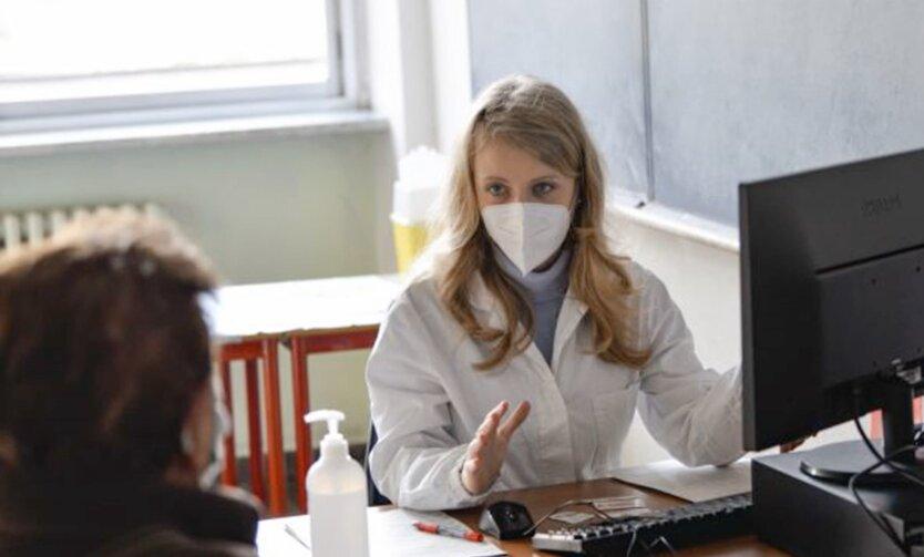 Украина перейдет на е-больничные за лето: как получить и что будет с бумажными