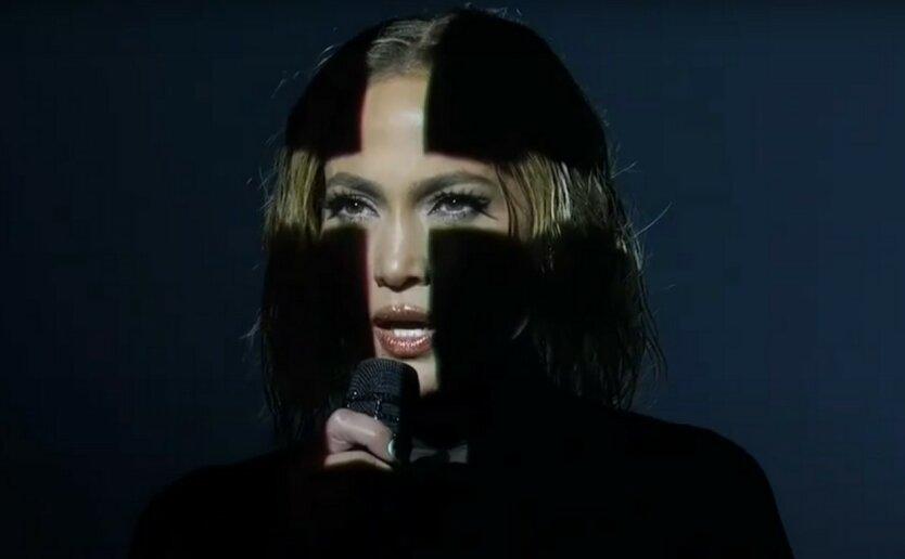 Дженнифер Лопес сразила поклонников на American Music Awards