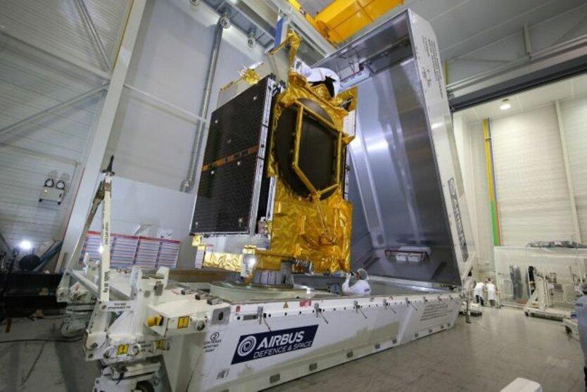 Спутник ANASIS-II