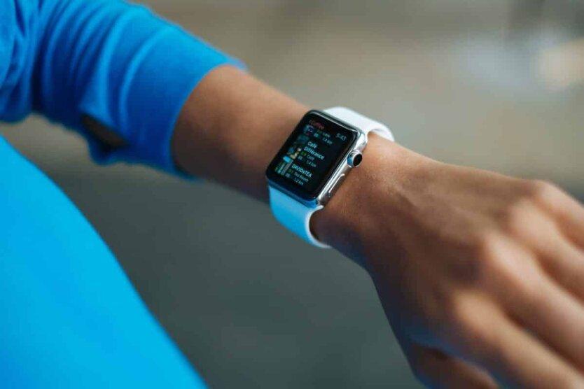 Смарт-часы, Apple, Samsung