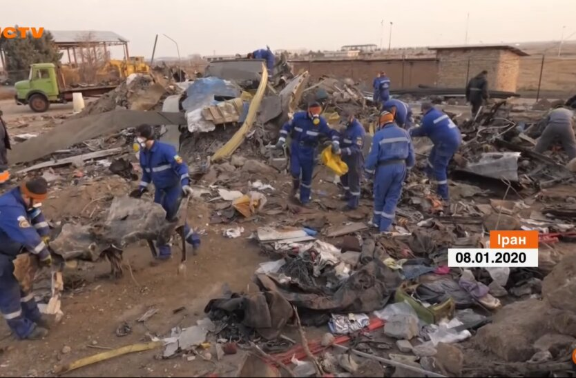 Крушение Боинга МАУ, Иран, обвинения чиновникам