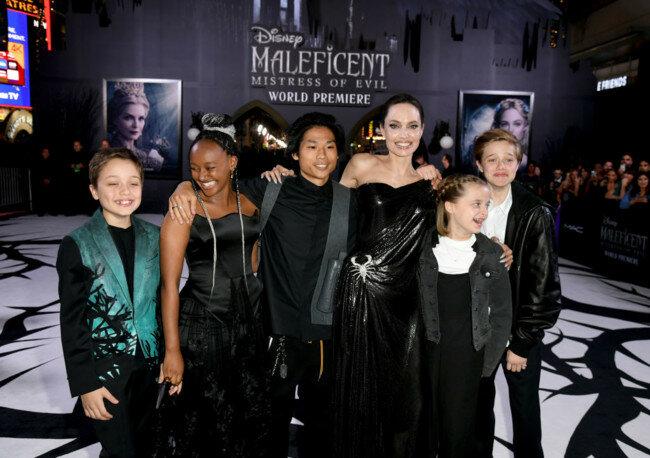 Анджелина Джоли рассказала об операциях у двух дочерей