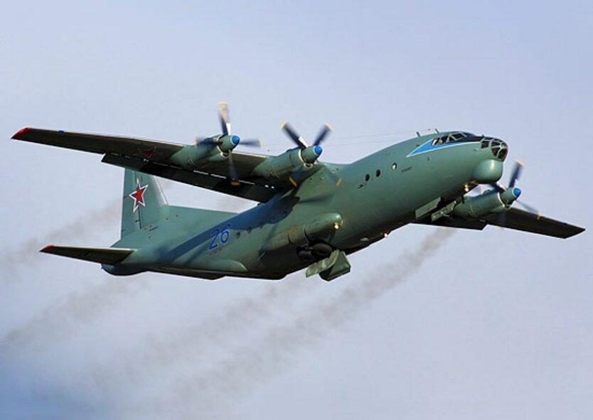 Ан-12_военно-транспортный самолет РФ