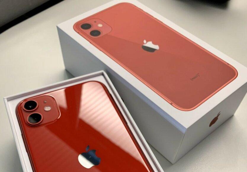 Новые iPhone поступили в продажу по всему миру