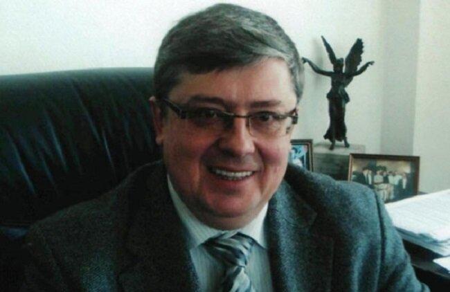 Александр Сухомлин