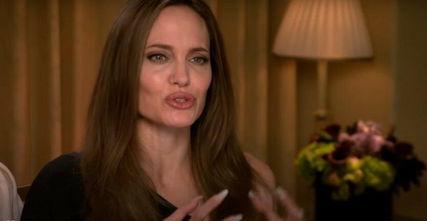 Анджелина Джоли,Надин Харрис,насилие над детьми,коронавирус в США,Джоли без макияжа