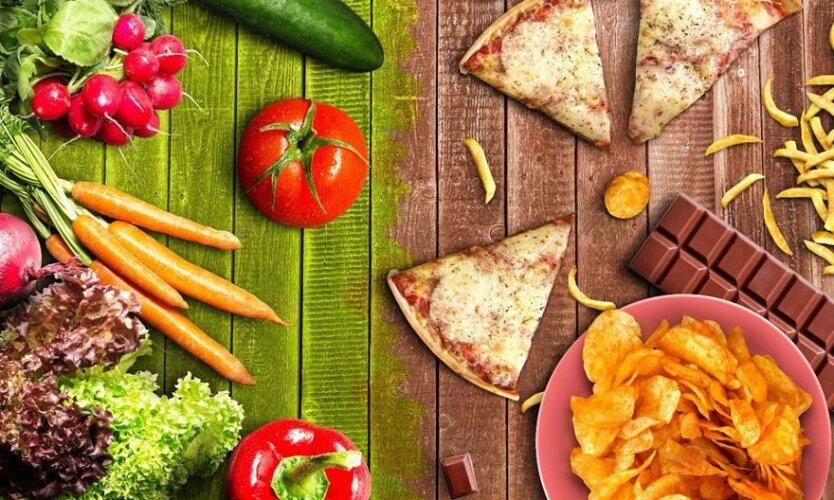 здорова и вредная еда пицца фастфуд овощи чипсы