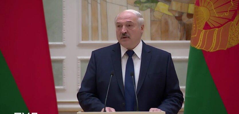 Лукашенко пригрозил протестующим жесткой расправой