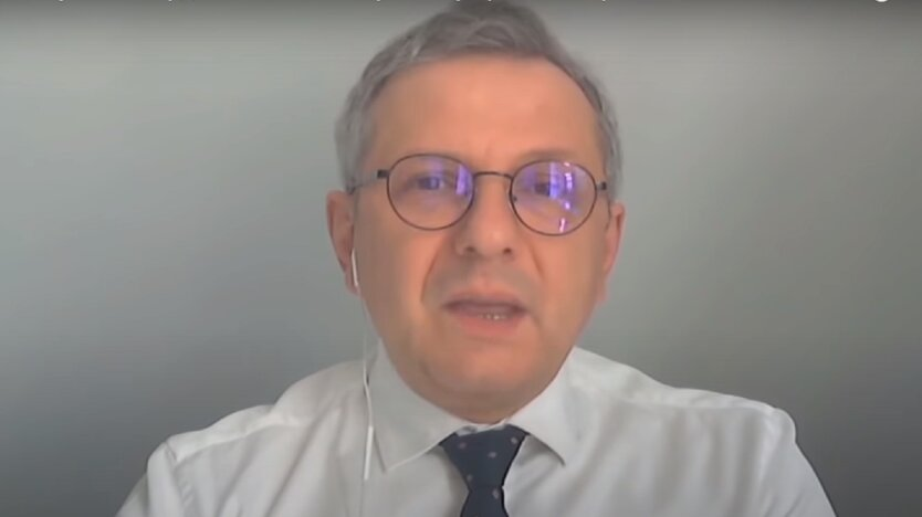 Советник президента по экономическим вопросам Олег Устенко