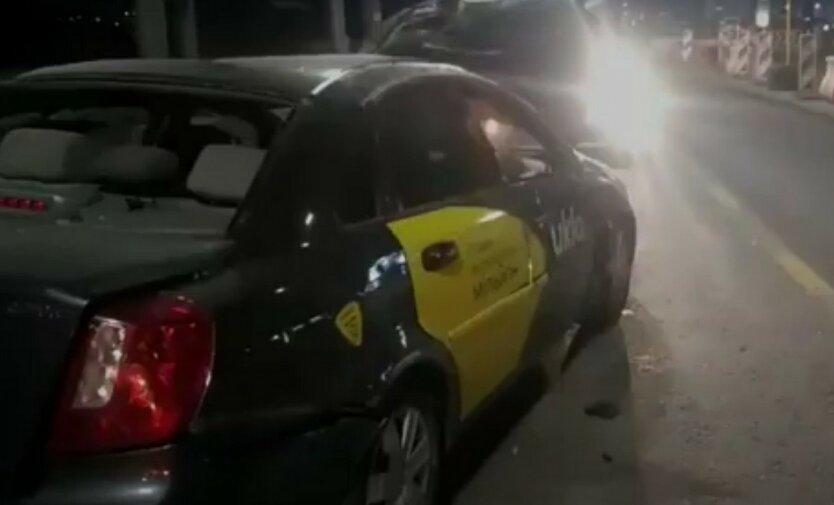 В Киеве такси Uklon попало в страшное ДТП
