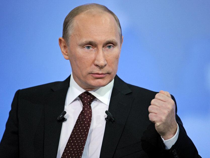 Путин в первый час «прямой линии» чаще говорил о доходах населения