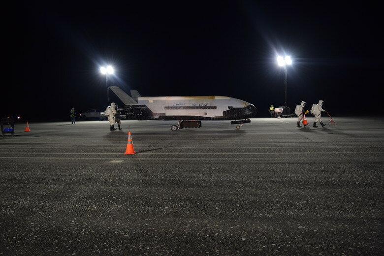 Космический челнок ВВС США X-37B