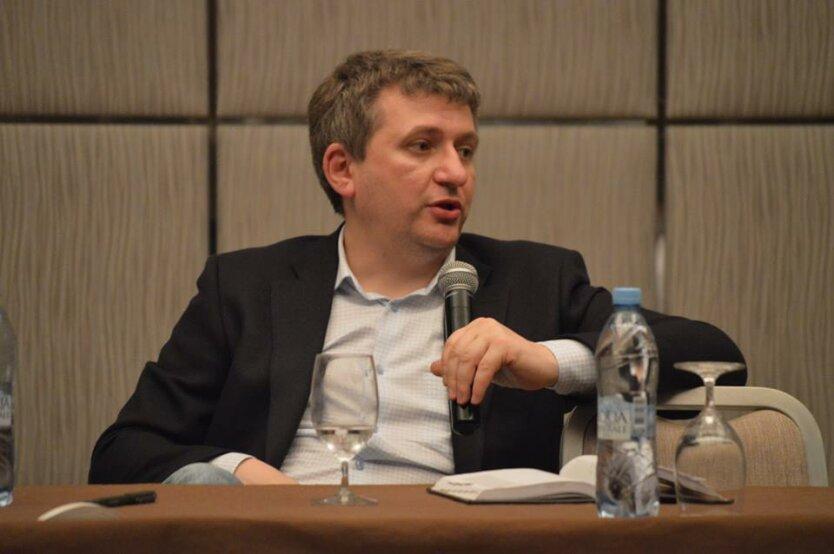 Юрий Романенко3