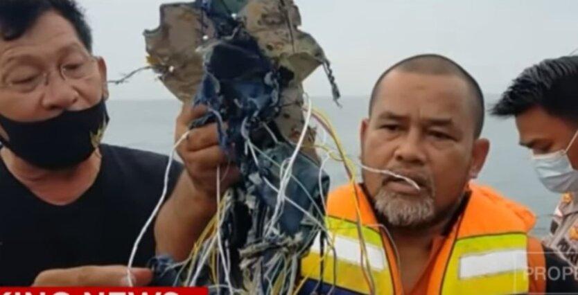 Появились подробности крушения пассажирского Boeing в Индонезии