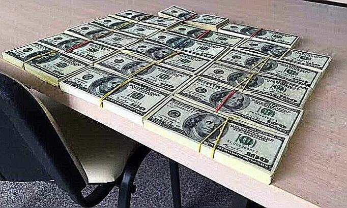доллары взятка