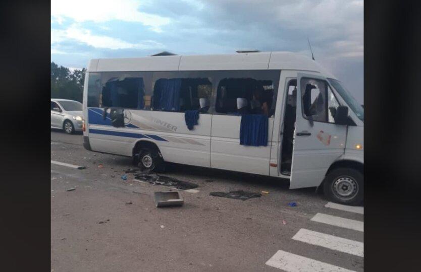 Кива: На трассе Киев-Харьков расстрелян автобус с людьми, есть погибшие