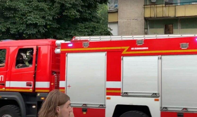 Тушение пожара в Киеве,Пожар в Киеве,ГСЧС Украины