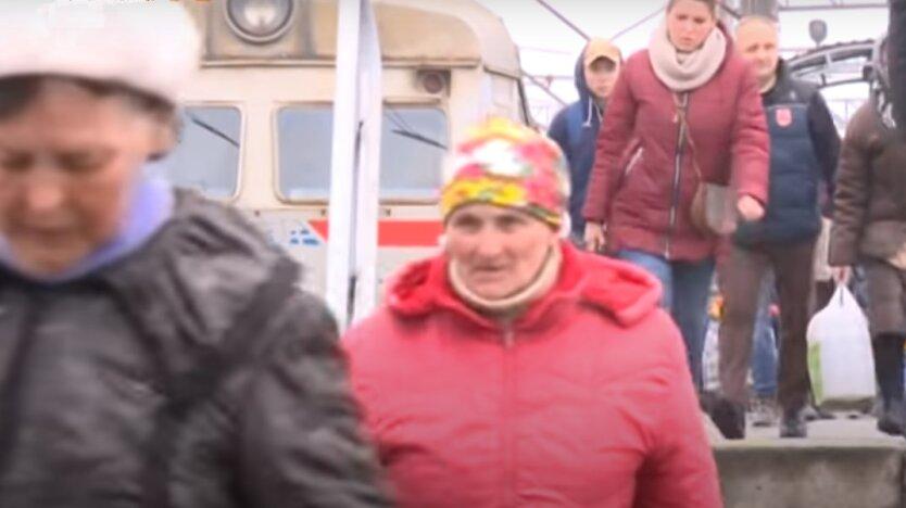 """Укрзализныця"" открыла продажу билетов"