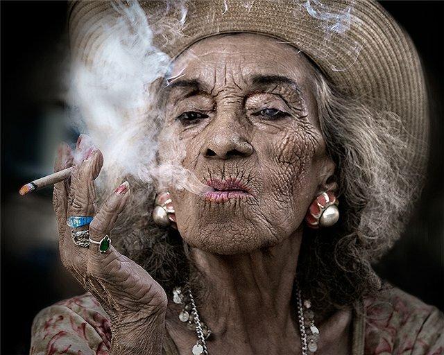 сигареты курение курильщица бабушка