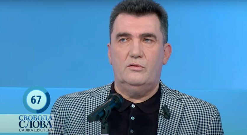 """Данилов """"открестился"""" от слитых пунктов проекта закона """"Об олигархах"""""""
