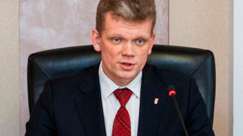 На Харьковщине жестоко избили экс-министра: фото