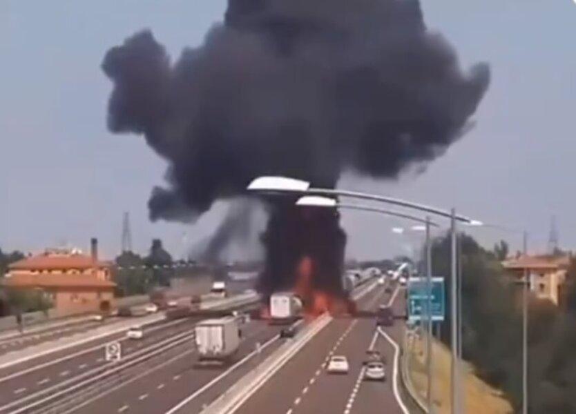 Взрыв бензовоза в Китае