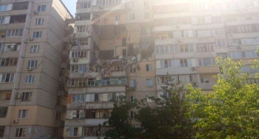 Опубликовано видео момента взрыва в доме на Позняках