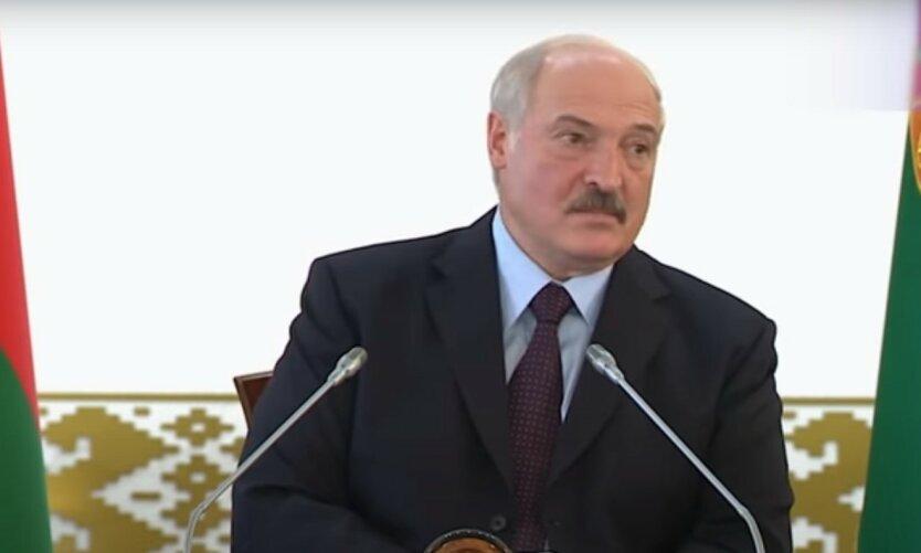 """Лукашенко похвастался """"победой"""" над коронавирусом"""