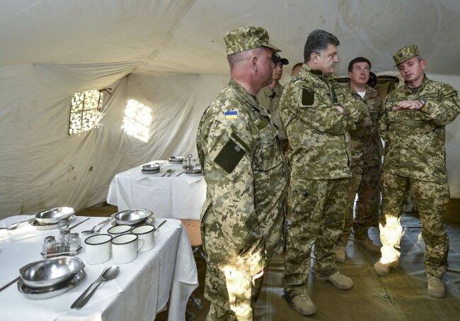 Петр Порошенко армия3