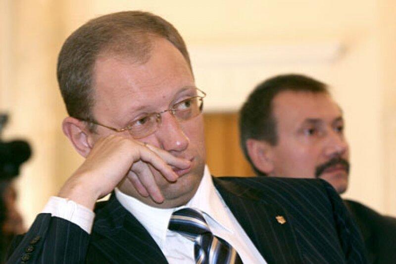 Рада снова не назначила дату киевских выборов, но Яценюк продолжит подбор единого кандидата