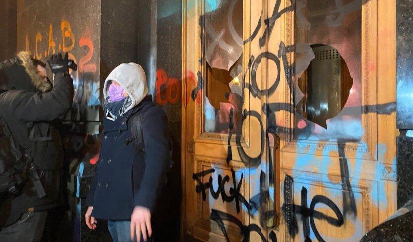 В Офисе Зеленского подсчитали убытки от акции протеста сторонников Стерненко