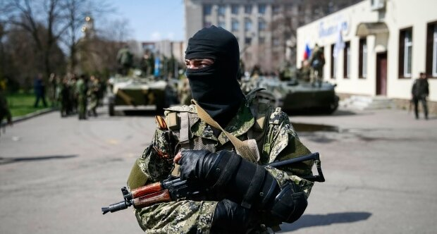 Терористы в Славянске2