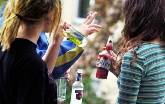студенты алкоголь сигареты