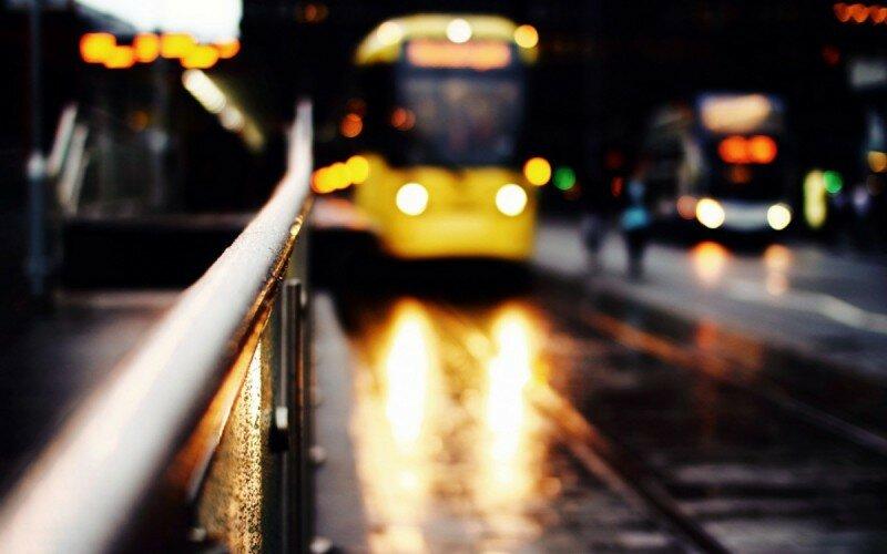 ночь город трамвай маршрутка