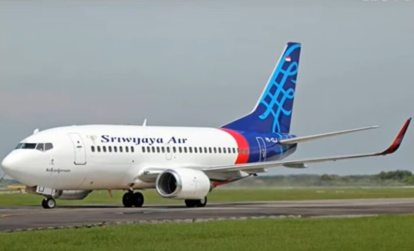 Boeing 737-524 Sriwijaya Air