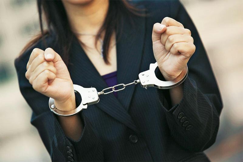 наручники женщина