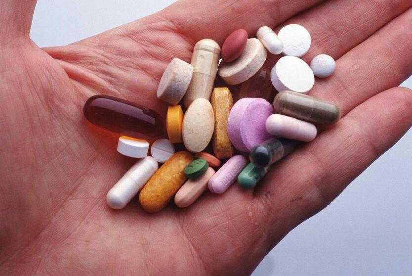 С начала года украинцы стали тратить на лекарства на 22% больше, — эксперт