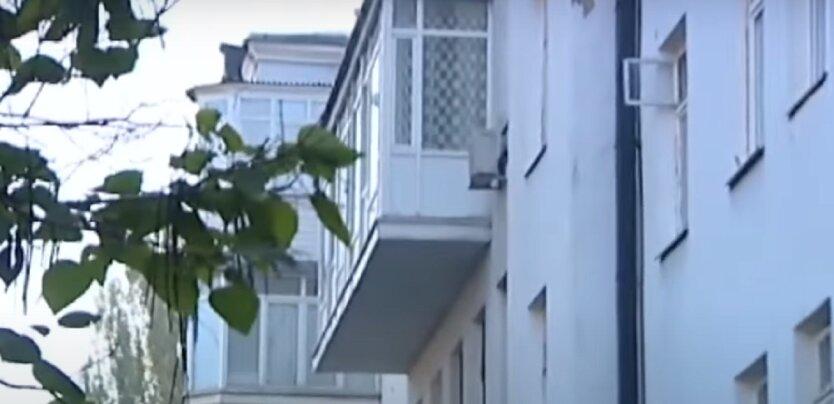 Киевлян начнут штрафовать за кондиционеры и балконы