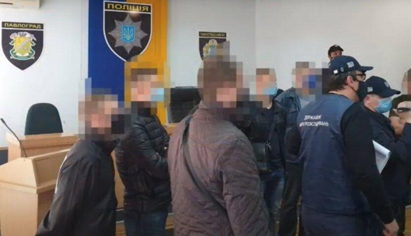 Участники банды полицейских из Павлограда взяты под стражу