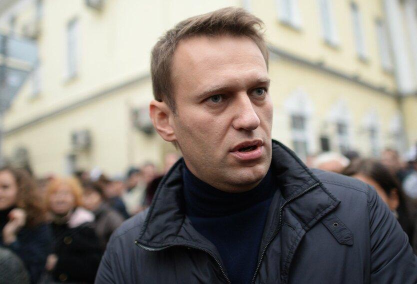 Навального подключили к ИВЛ
