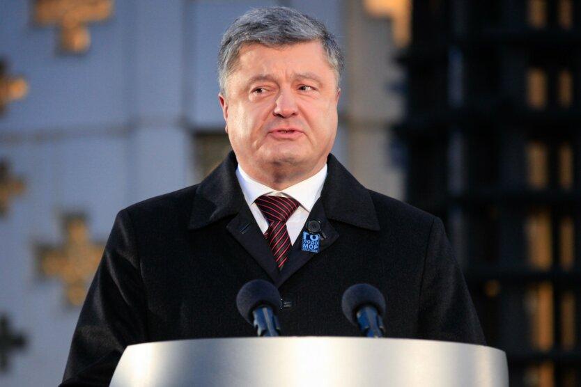 Эпоху правления Порошенко показали одним фото