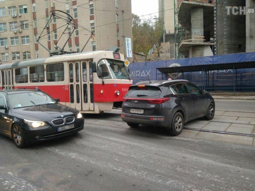 трамвай авто
