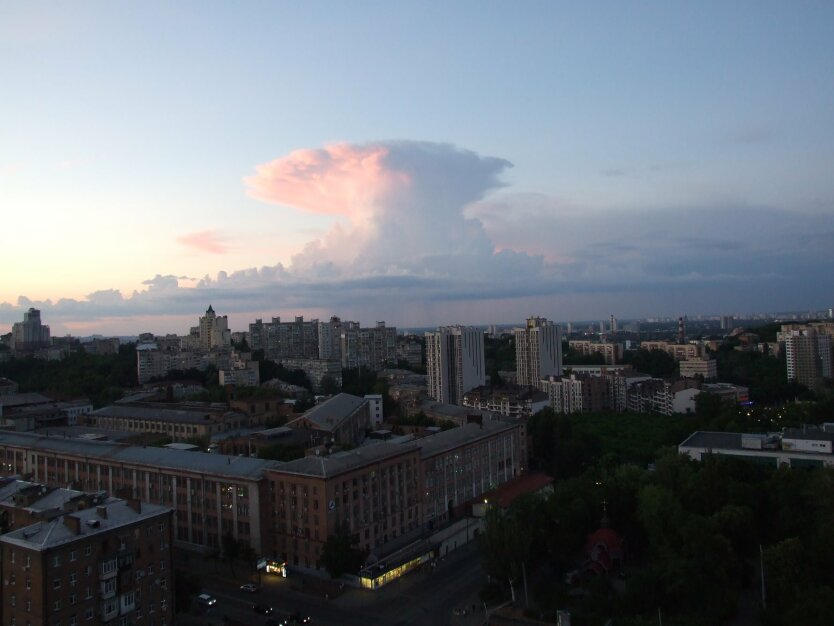 облака в Киеве