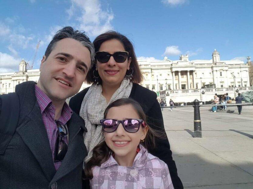 Хамед Есмалион с семьей
