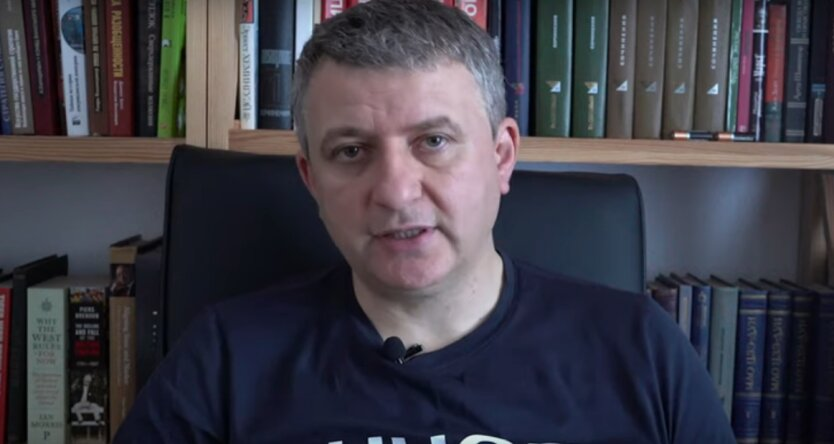 Романенко оценил теории заговора вокруг пандемии коронавируса