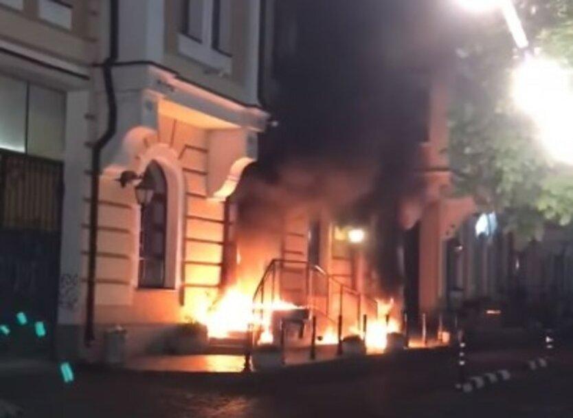 Тушение пожара в Киеве,Поджог дома в Киеве,Пожар на Воздвиженке