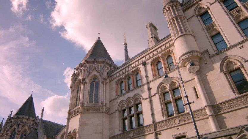 Апелляционный суд Парижа, Иск Ощадбанка к Сбербанку, Минюст России