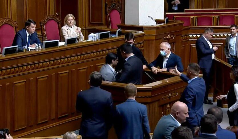 Драка Николая Тищенко и Гео Лероса в Раде, поставил свечку в церкве за Лероса, богохульство