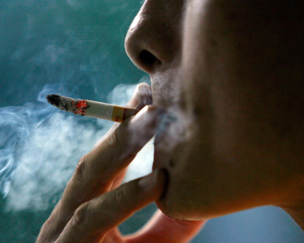 нас картинки когда человек курит необходимо сделать для